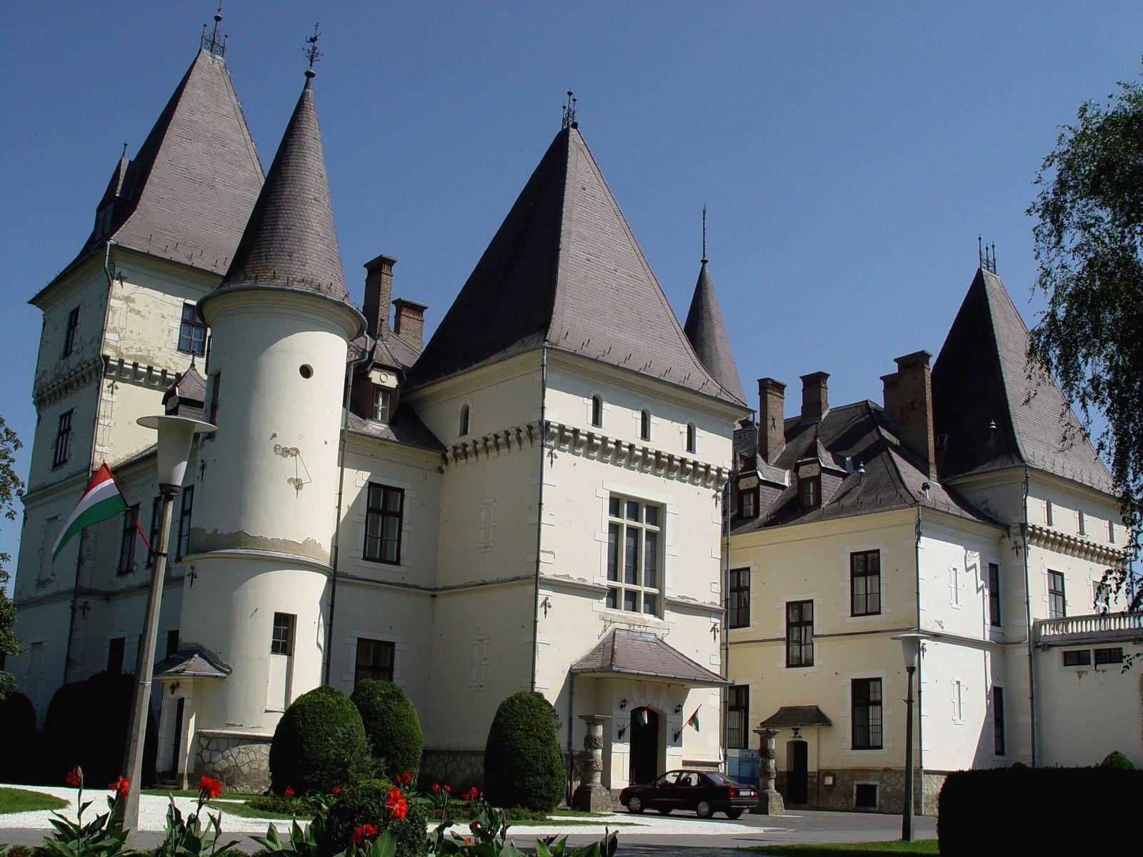 Tiszadob, Andrássy kastély